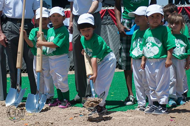 Traditional Chrome Baseball Bat Handle Shovel - Groundbreaking Event