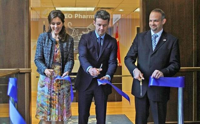 Ribbon Cutting with Blue Ribbon